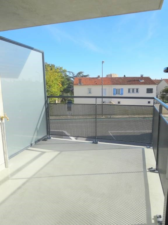 Rental apartment Le pontet 584€ CC - Picture 1