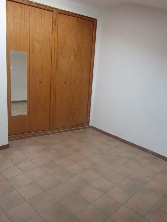 Rental apartment Lambesc 610€ CC - Picture 4