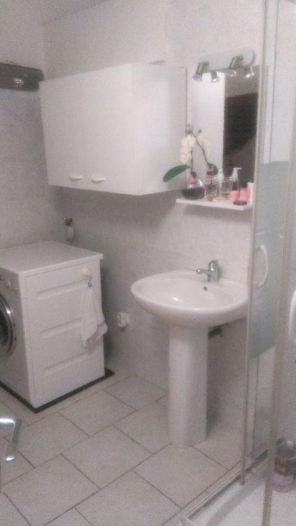 Rental apartment La crau 670€ CC - Picture 3
