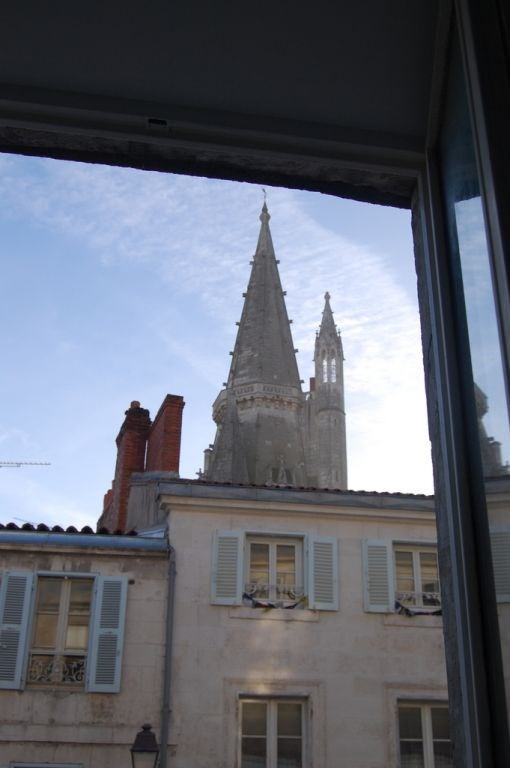 Sale apartment La rochelle 139 000€ - Picture 2