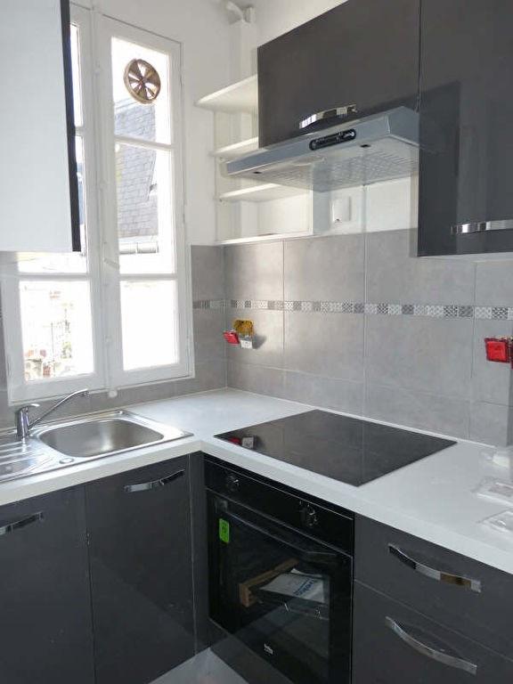 Location appartement Paris 16ème 1490€ CC - Photo 2