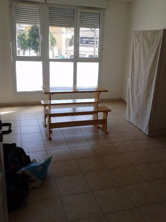 Rental apartment Avignon 472€ CC - Picture 3