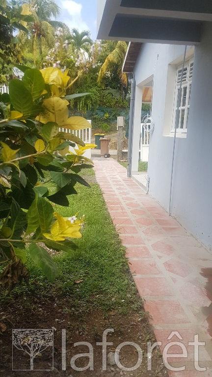 Location maison / villa La trinite 1250€ CC - Photo 4