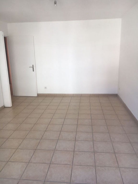 Location appartement Nice 950€ CC - Photo 2