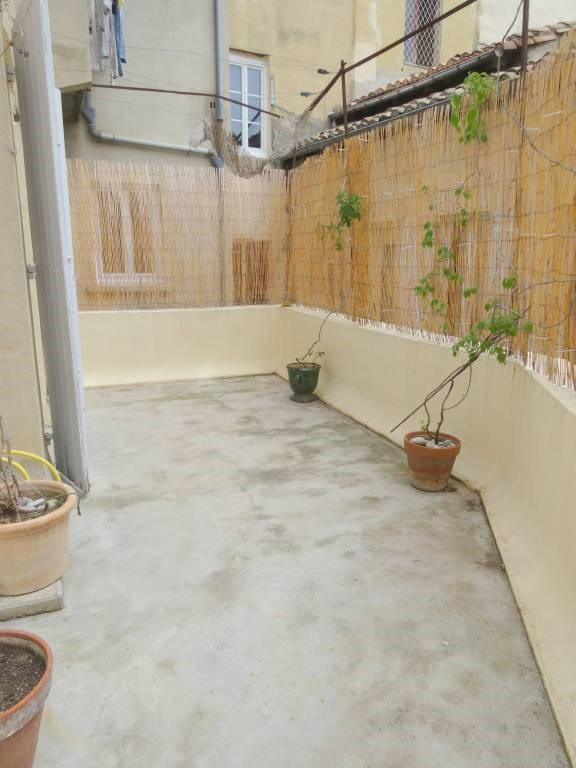 Rental apartment Avignon 693€ CC - Picture 1