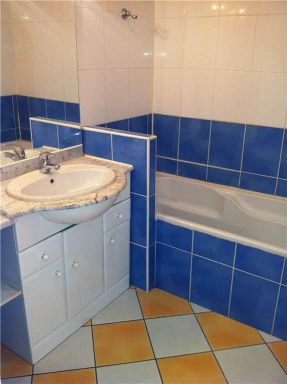 Location maison / villa Saint-denis-de-pile 553€ CC - Photo 4