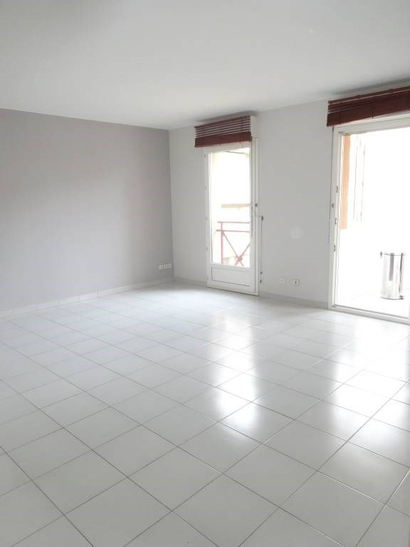 Location appartement Avignon 762€ CC - Photo 1