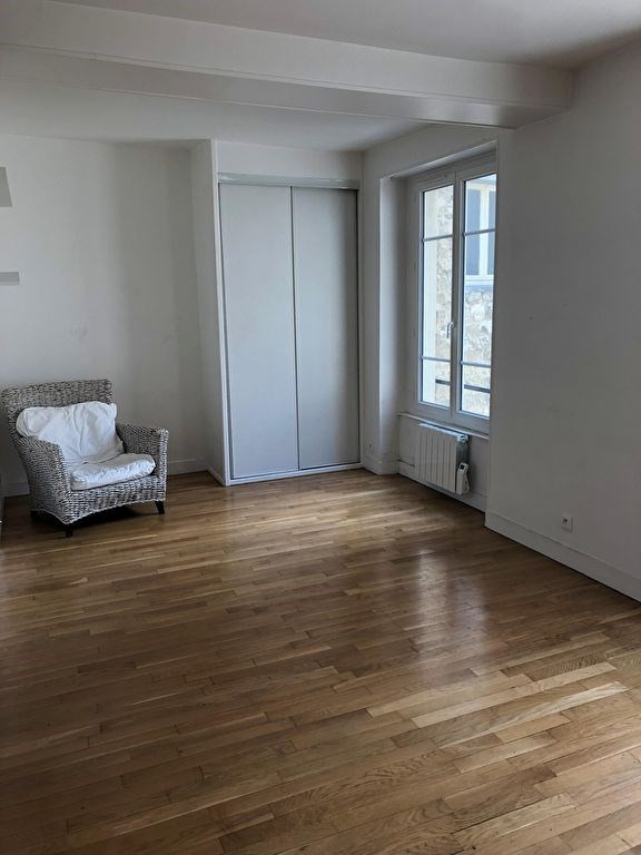 Rental apartment Saint germain en laye 750€ CC - Picture 1