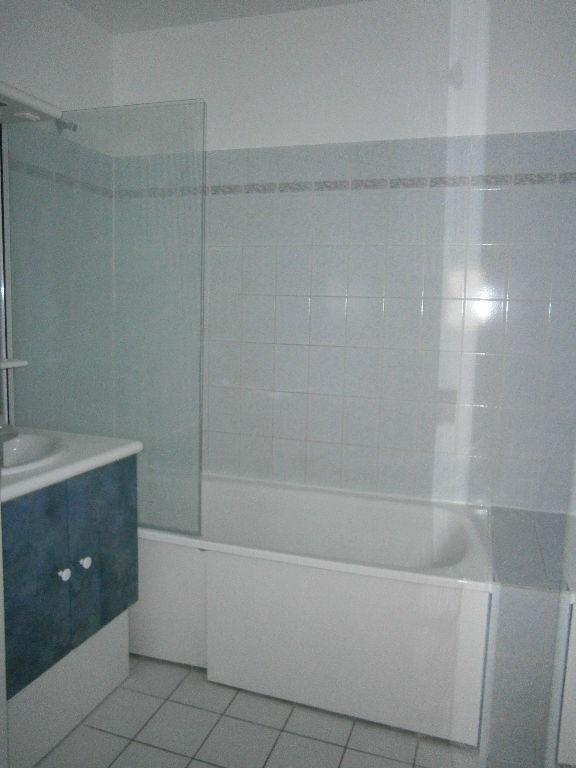 Location appartement Guyancourt 950€ CC - Photo 8