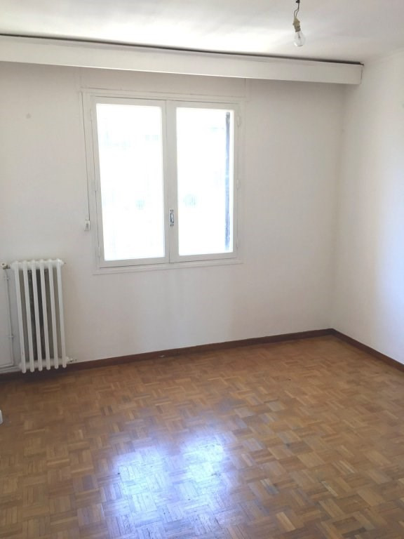 Sale apartment Marseille 5ème 132 000€ - Picture 2