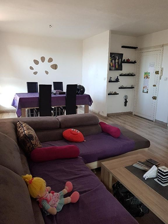 Sale apartment Marseille 87 000€ - Picture 1