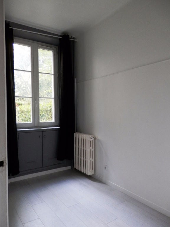Rental apartment Saint germain en laye 945€ CC - Picture 4