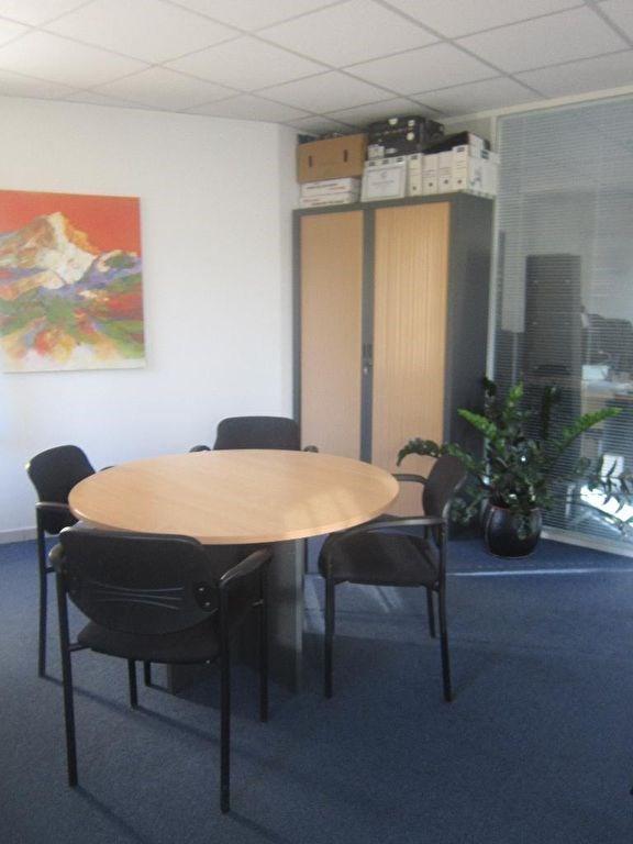 Location bureau Lambesc 845€ HC - Photo 2