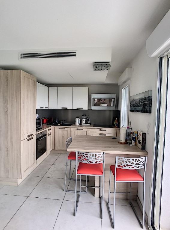 Sale apartment Saint laurent du var 392000€ - Picture 5