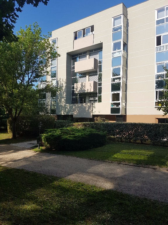 Location appartement Saint germain en laye 1 650€ CC - Photo 1