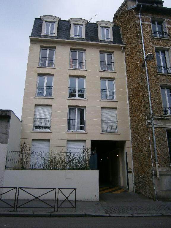 Location appartement Versailles 1180€ CC - Photo 1