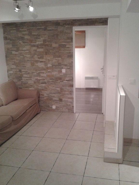 Location appartement Saint laurent du var 600€ CC - Photo 2