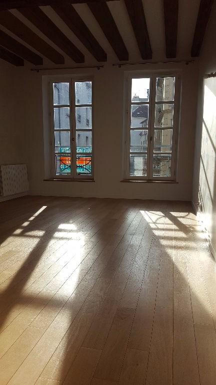 Rental apartment Saint germain en laye 1291€ CC - Picture 1