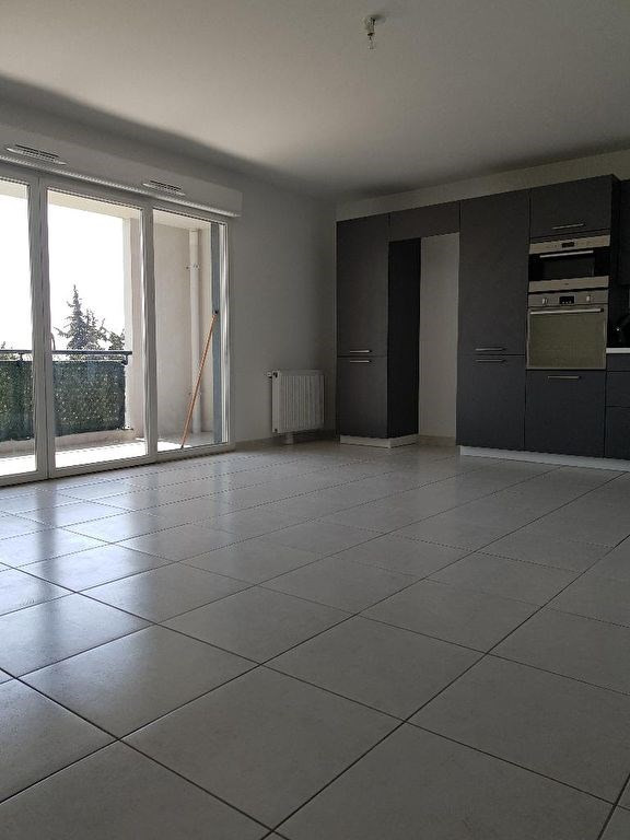 Sale apartment Marseille 160000€ - Picture 2