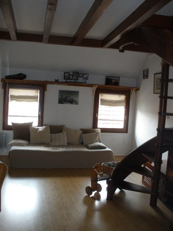 Rental house / villa Conflans sainte honorine 958€ CC - Picture 7