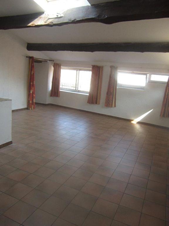 Rental apartment Lambesc 610€ CC - Picture 2