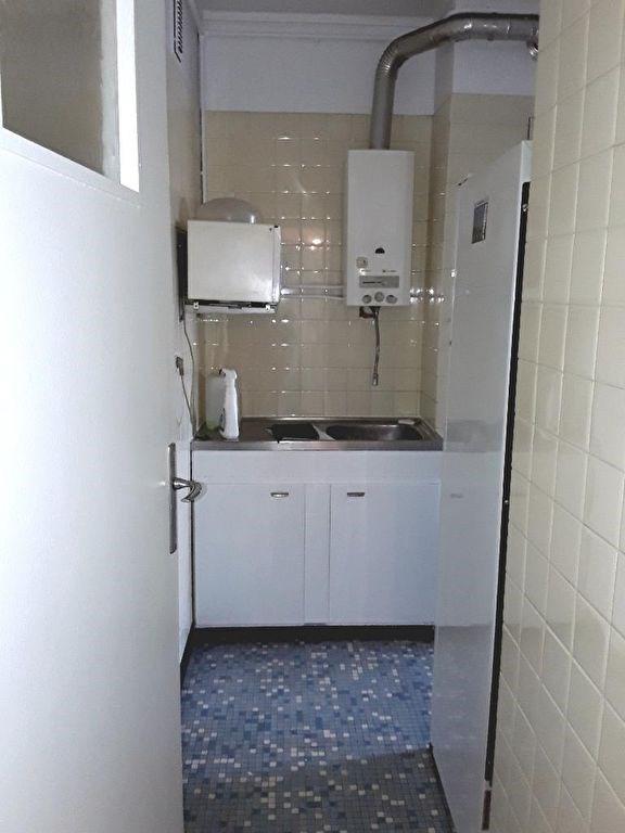 Location appartement Ivry sur seine 1149€ CC - Photo 2