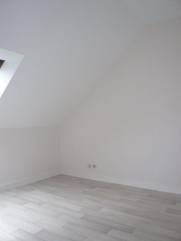 Rental apartment Laval 414€ CC - Picture 3