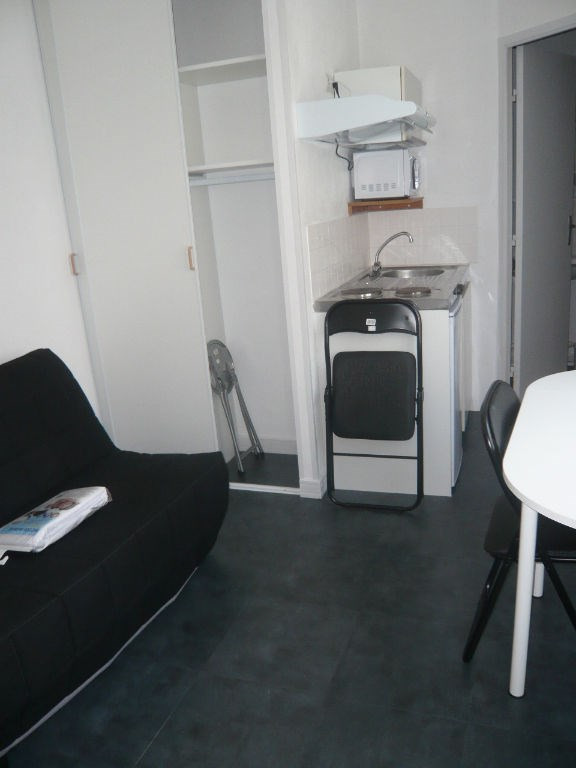 Rental apartment Laval 198€ +CH - Picture 2
