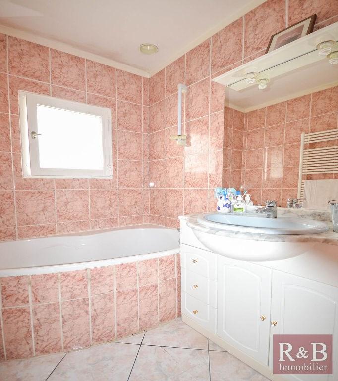 Sale house / villa Plaisir 340000€ - Picture 9