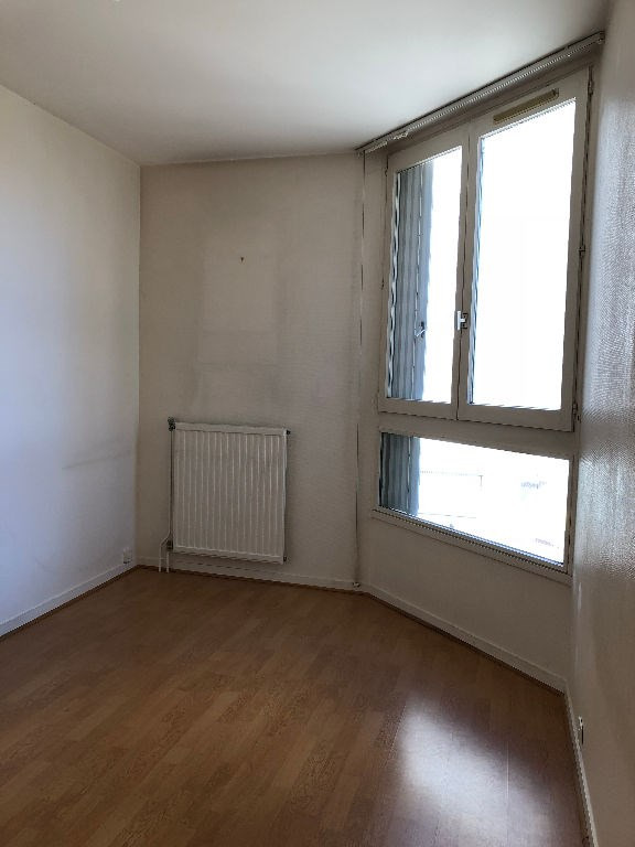 Location appartement Poissy 842€ CC - Photo 2