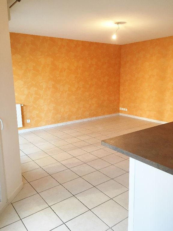 Location appartement Bourgoin jallieu 750€ CC - Photo 2
