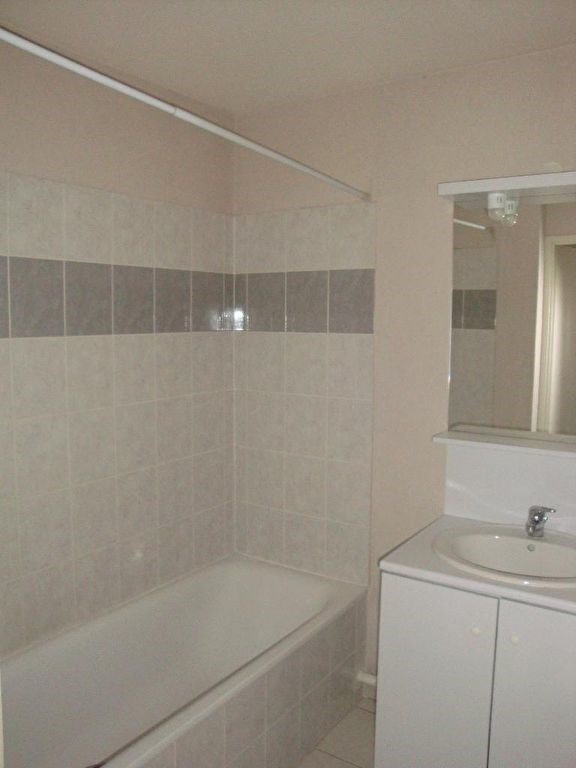 Rental apartment Agen 420€ CC - Picture 5