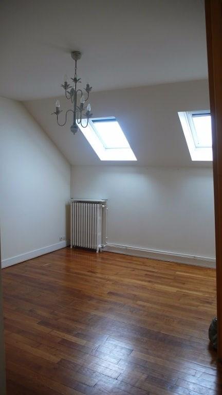 Location appartement Saint germain en laye 998€ CC - Photo 1