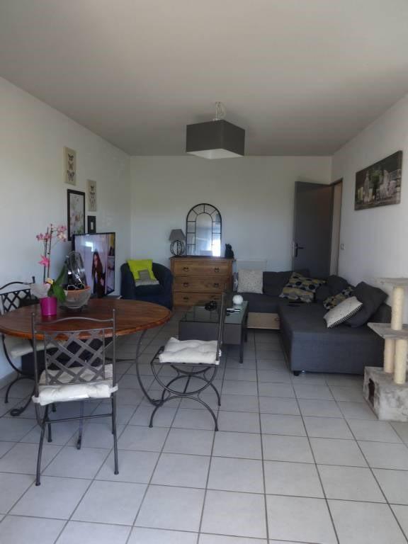 Alquiler  apartamento Morieres-les-avignon 628€ CC - Fotografía 2
