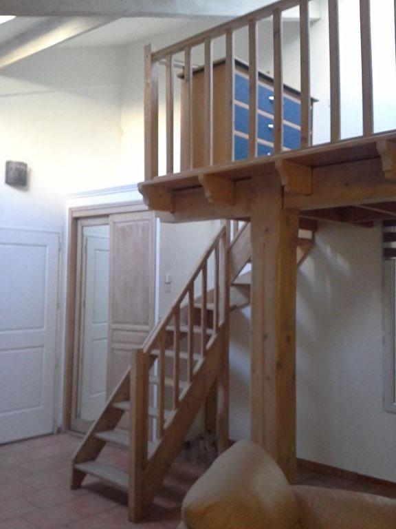 Rental apartment Lambesc 750€ CC - Picture 3