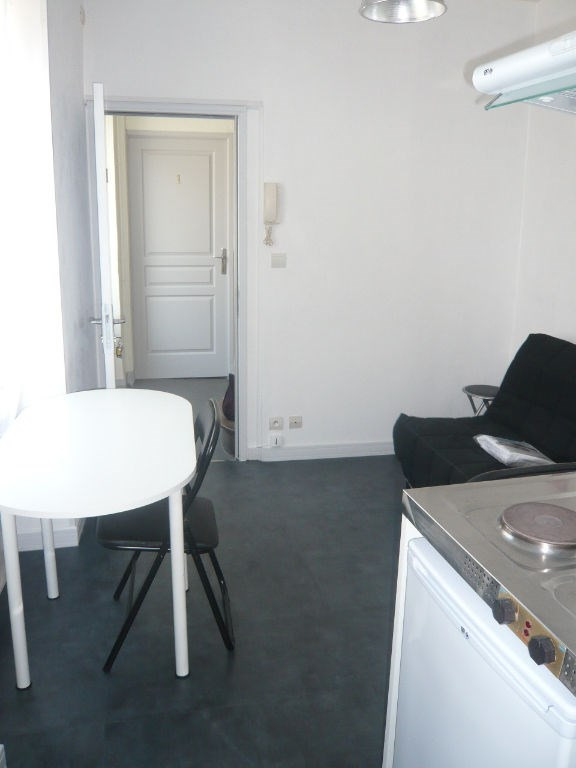 Rental apartment Laval 198€ +CH - Picture 1