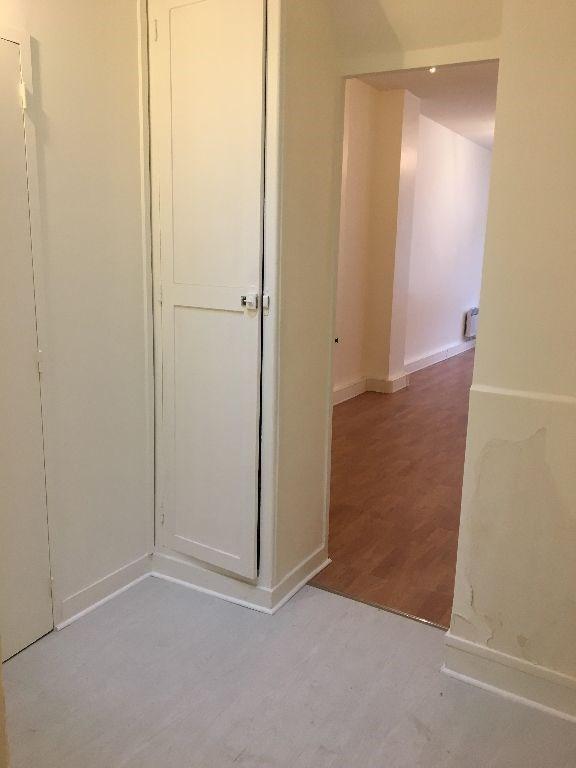 Rental empty room/storage Paris 13ème 1531€ CC - Picture 5