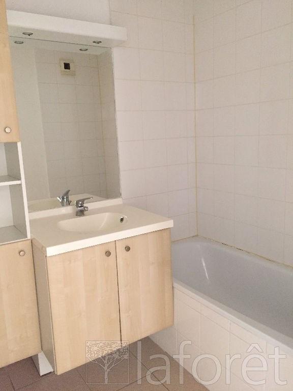Sale apartment L isle d abeau 92225€ - Picture 4