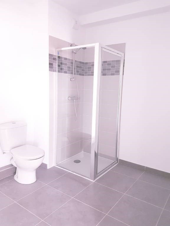 Location appartement Les angles 540€ CC - Photo 5
