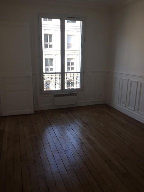 Location appartement Levallois perret 976€ CC - Photo 2
