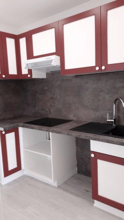 Rental apartment Saint germain en laye 990€ CC - Picture 3