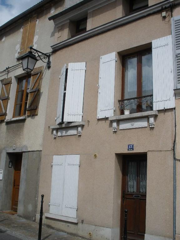 Rental house / villa Conflans sainte honorine 958€ CC - Picture 1