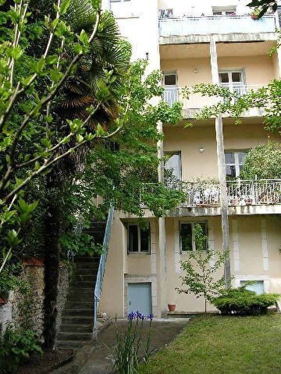 Location appartement Perigueux 245€ CC - Photo 3