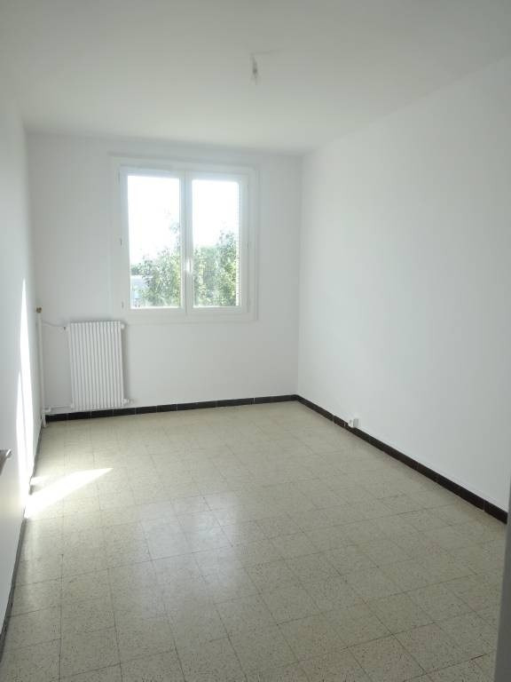 Rental apartment Avignon 669€ CC - Picture 3