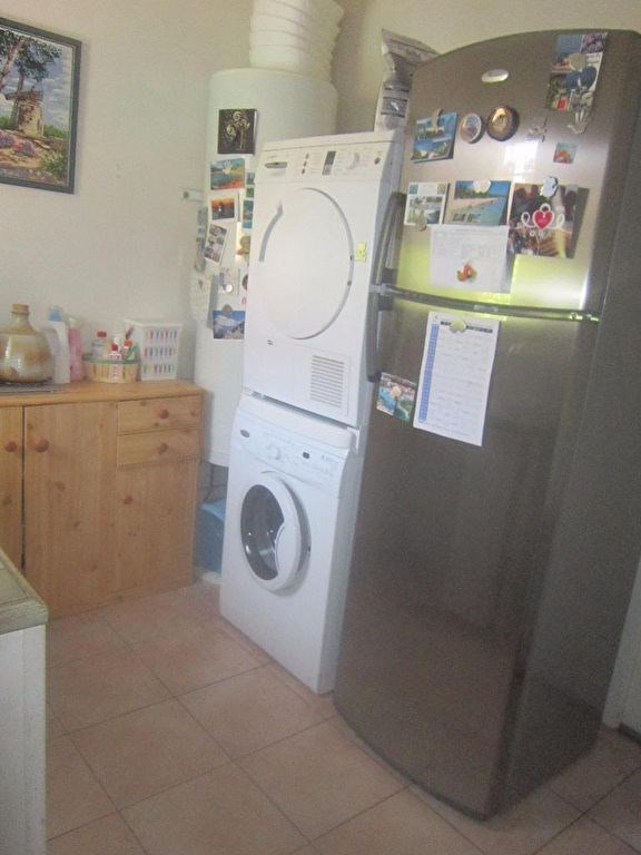 Location maison / villa Lambesc 1 170€ CC - Photo 4