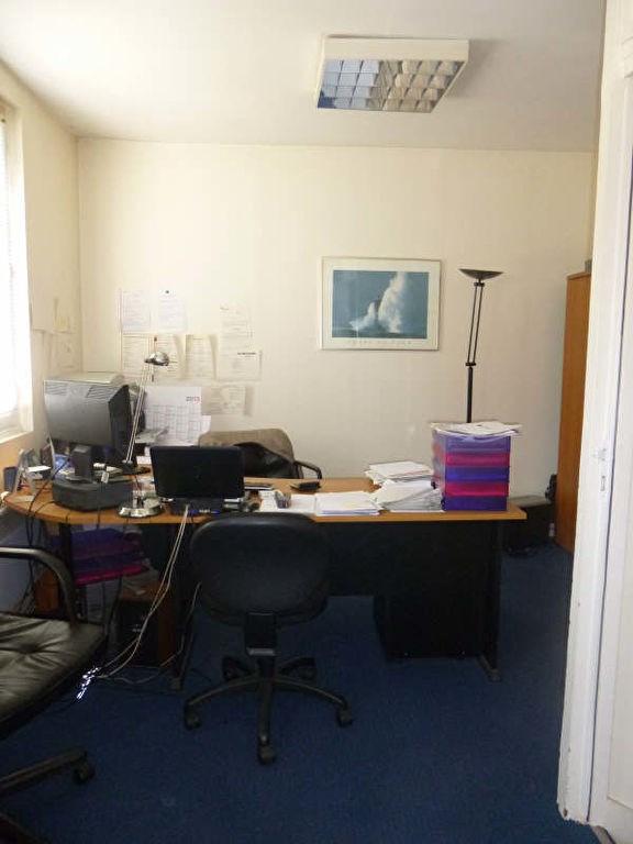 Location bureau Puteaux 8960€ CC - Photo 3