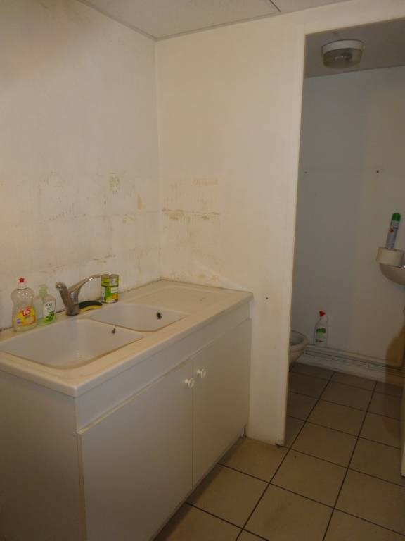 Rental office Avignon 3 260€ CC - Picture 5