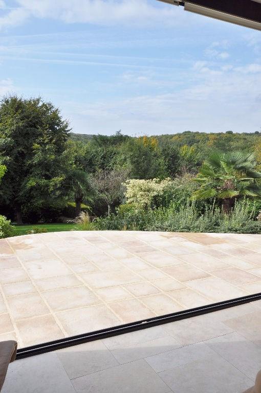 Deluxe sale house / villa Saint berthevin 582000€ - Picture 3