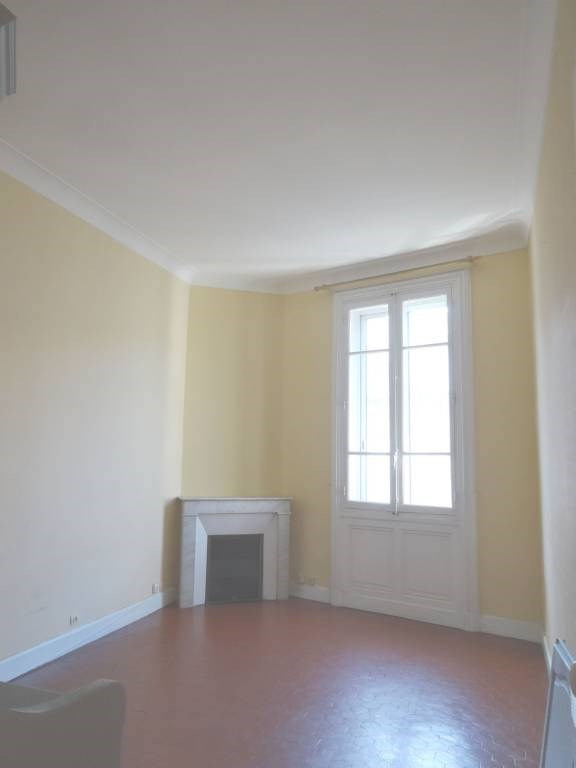 Rental apartment Avignon 380€ CC - Picture 3