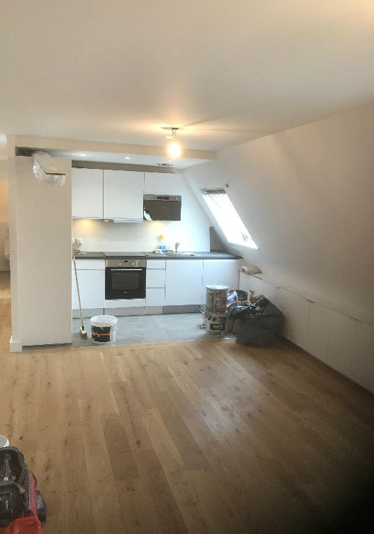 Location appartement Paris 8ème 2 150€ CC - Photo 2